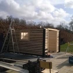 Blokhut Nadelhorn in opbouw