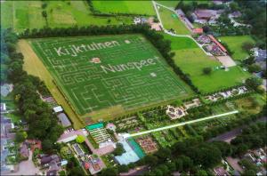 Luchtfoto Maisdoolhof Kijktuinen Nunspeet 2012